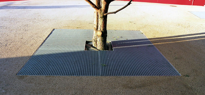 Tree grilles